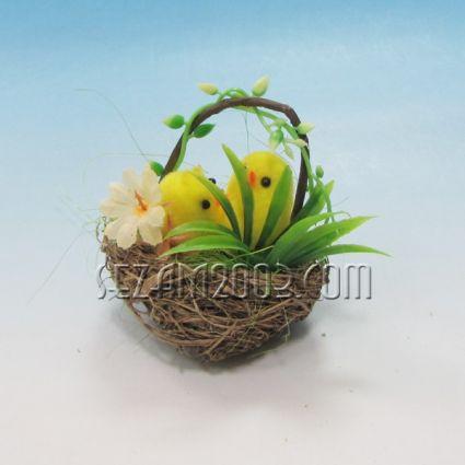 Пиленце в кошничка - Великденска декорация