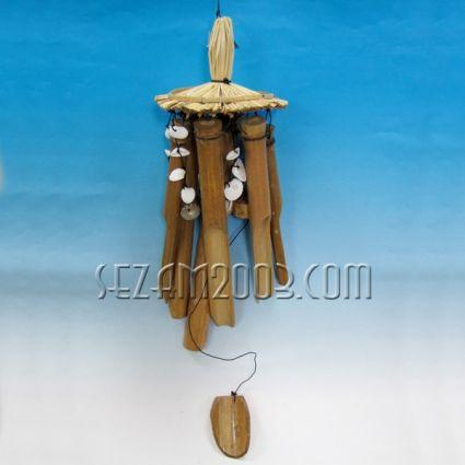 Вятърен звънец с плетена шапка ,бамбук и мидички