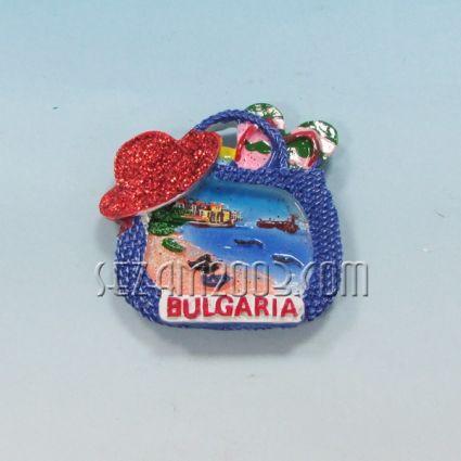 Магнит за хладилник от полирезин ЧАНТА с релефна картинка и надпис България.