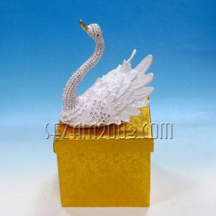 Лебед - лукс кутия за бижута от метал инкрустиран с камъни