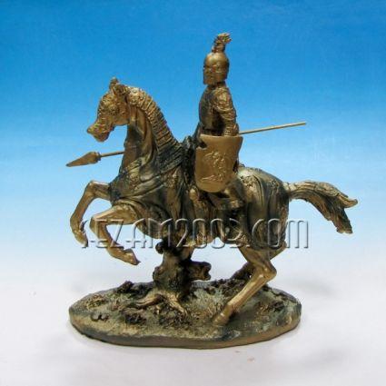 ВОЙН на кон с копие и щит  - фиг.от полирезин