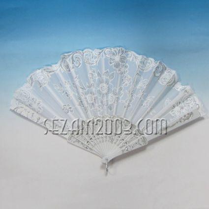 Ветрило от плат и пластмаса декорирано -БЯЛО