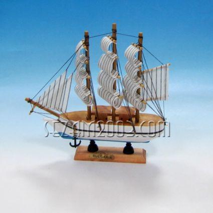 Макет на кораб от дърво+БГ