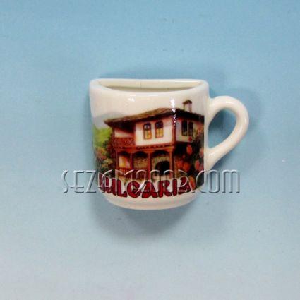 Чашка 1/2 от порцелан магнит за хладилник - България