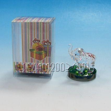 Слонче - фигурка от стъкло в подаръчна кутийка