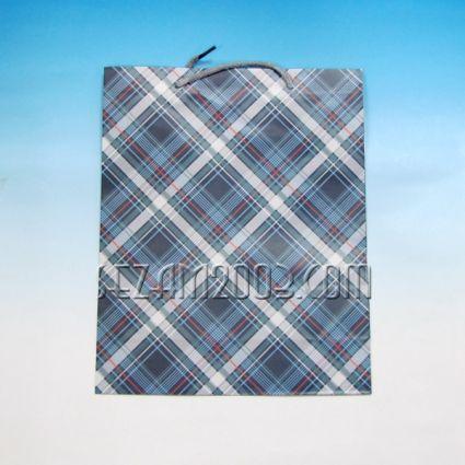 Подаръчна торбичка мъжки дизайн от гланцова хартия