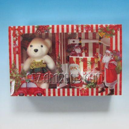 Коледен подарък - порцеланова чаша +лъжичка+мече от плат в лукс кутия