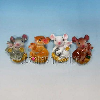 Мишка с цветя магнит за хладилник от резин