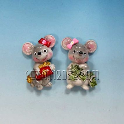 Мишка с парички магнит за хладилник от резин