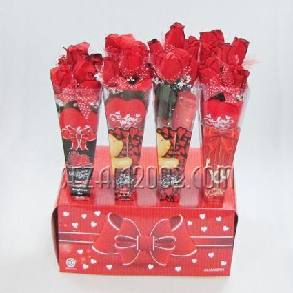 Св.Валентин -Подаръчен букет- рози,сърце и пожелание