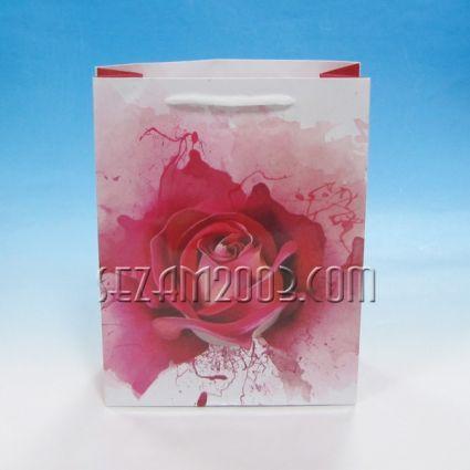 Подаръчна торбичка от  хартия декорирана