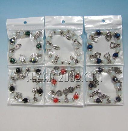 Гривна пластмасови топчета и метални елементи