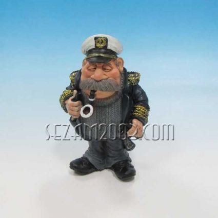 Морски капитан - фигура от полирезин