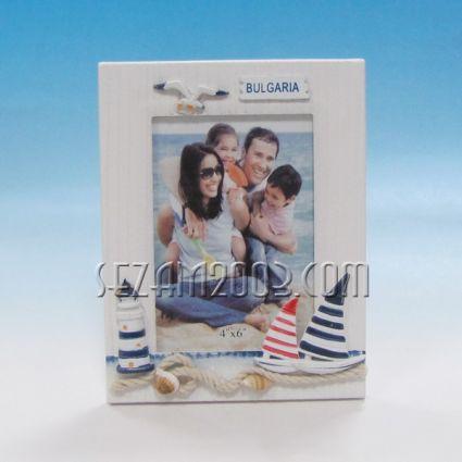 Рамка за снимки от дърво с морска декорация и надпис България