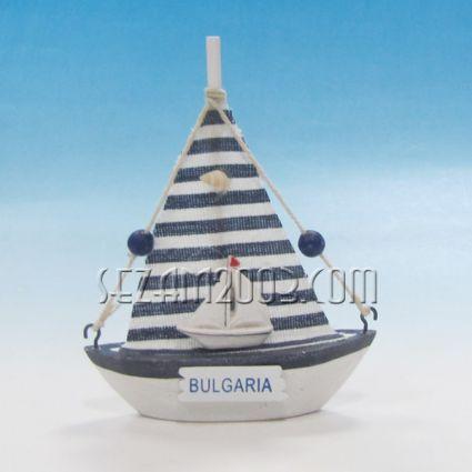 Платноходка от дърво с морска декорация и надпис България