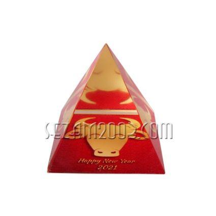 2021 г - Годината на вола - кристална пирамида