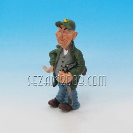 Ловец - забавна фигура от резин