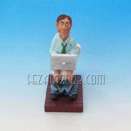 Бизнесмен - забавна фигура от резин