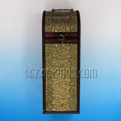 Кутия за бутилка вино от дърво декорирана права