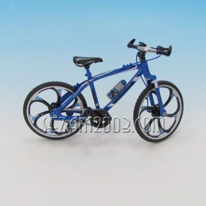 Bicycle - luxury souvenir / replica of metal