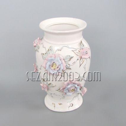 Ваза от керамика лепени рози - ръчно декорирана