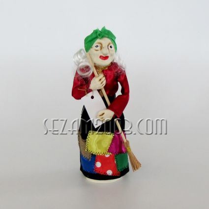 Баба Яга фигура от керамика декорирана с плат