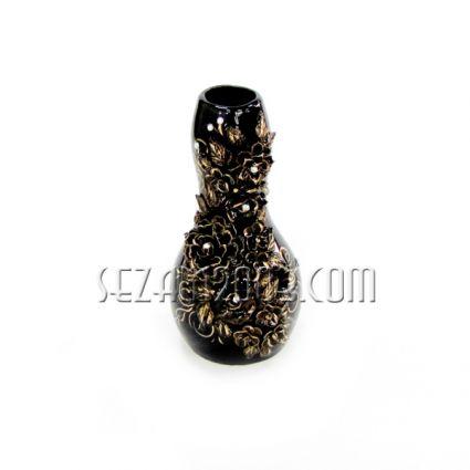 Ваза керамична с глазура и лепени цветя