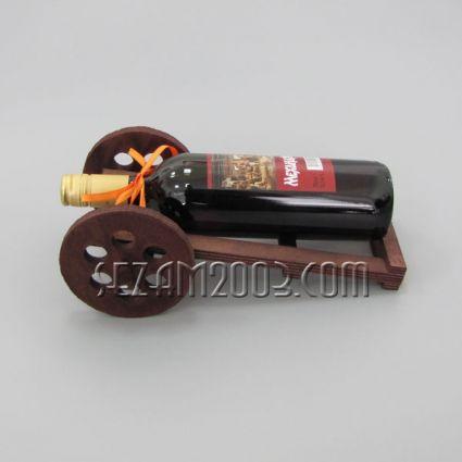 Топче - дървена поставка за вино+бутилката