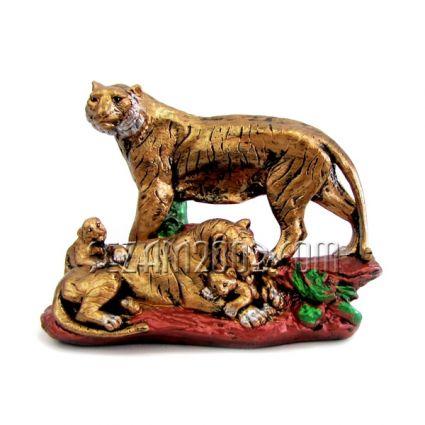 Тигри семейство - фигура от тънкостенна   керамика  ръчно декорирана