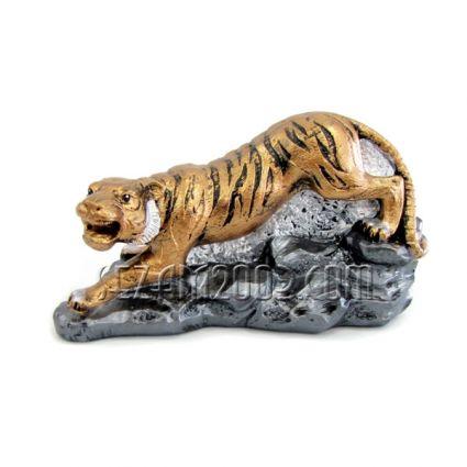 Тигър на камък - фигура от тънкостенна   керамика  ръчно декорирана