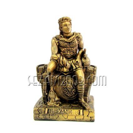 Александър Македонски - фигура от тънкостенна   керамика  ръчно декорирана