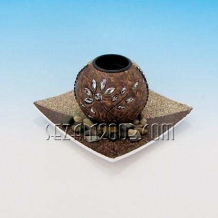 Свещник от мдф с чинийка и камъчета за декорация
